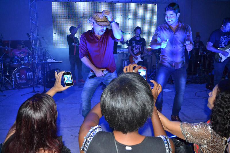 Show de Edu & Maraial na AABB de Brumado