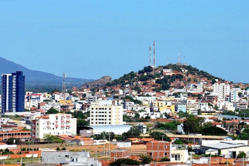 Temer proibirá abertura de novos cursos de medicina, implantação do curso em Guanambi está comprometido