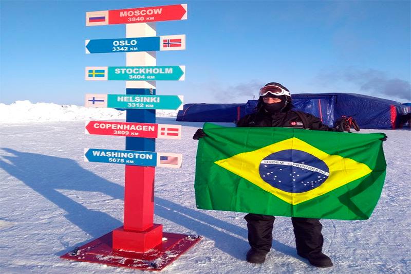 Ice Man: Brasileiro de 62 anos completa maratona de gelo no Polo Norte