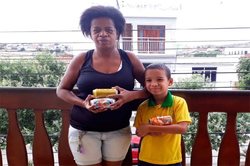 Brumado: Catadora de material reciclável clama por ajuda para que o sonho do seu filho seja realizado