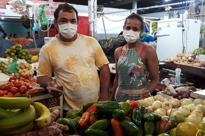 Brumado: Sem escolha, feirantes mantêm rotina na pandemia de coronavírus