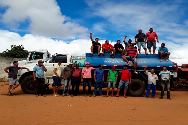Brumado: Pipeiros fazem protesto; abastecimento na zona rural pode entrar em colapso