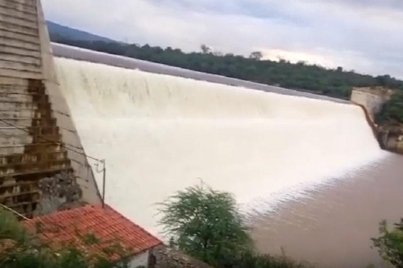 Brumado: Barragem de Cristalândia volta a transbordar e trás alívio aos moradores de Brumado e Malhada de Pedras