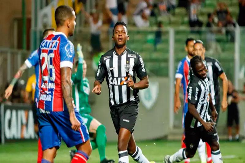 Com um a menos, Atlético-MG derrota o Bahia e se segura no G-6