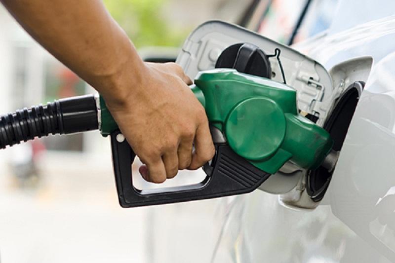 Petrobras reduz preço do diesel e aumenta o da gasolina