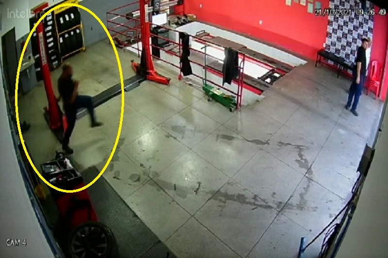 Imagens que mostram funcionários se assustando com raio 'viralizou' em Brumado
