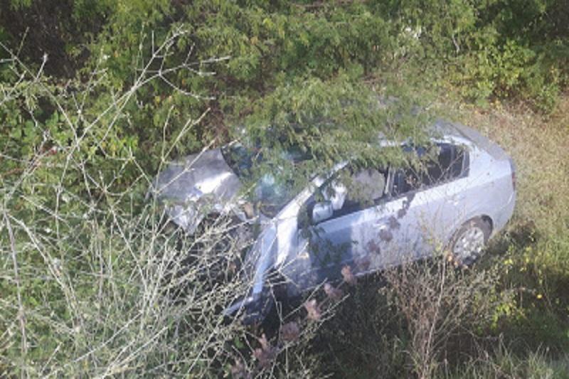 Delegado plantonista de Brumado capota veículo na BA-262; veículo caiu em ribanceira após ele tentar desviar de cachorro